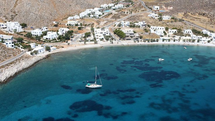 Folegandros island, one of the beautiful Cycladic islands in Greece. Click to view a list of great small hotels and villa rentals. You'll have a fab holiday!