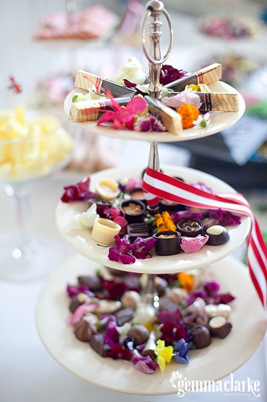 The 26 best images about edible flower canap s on for Canape ideas for weddings