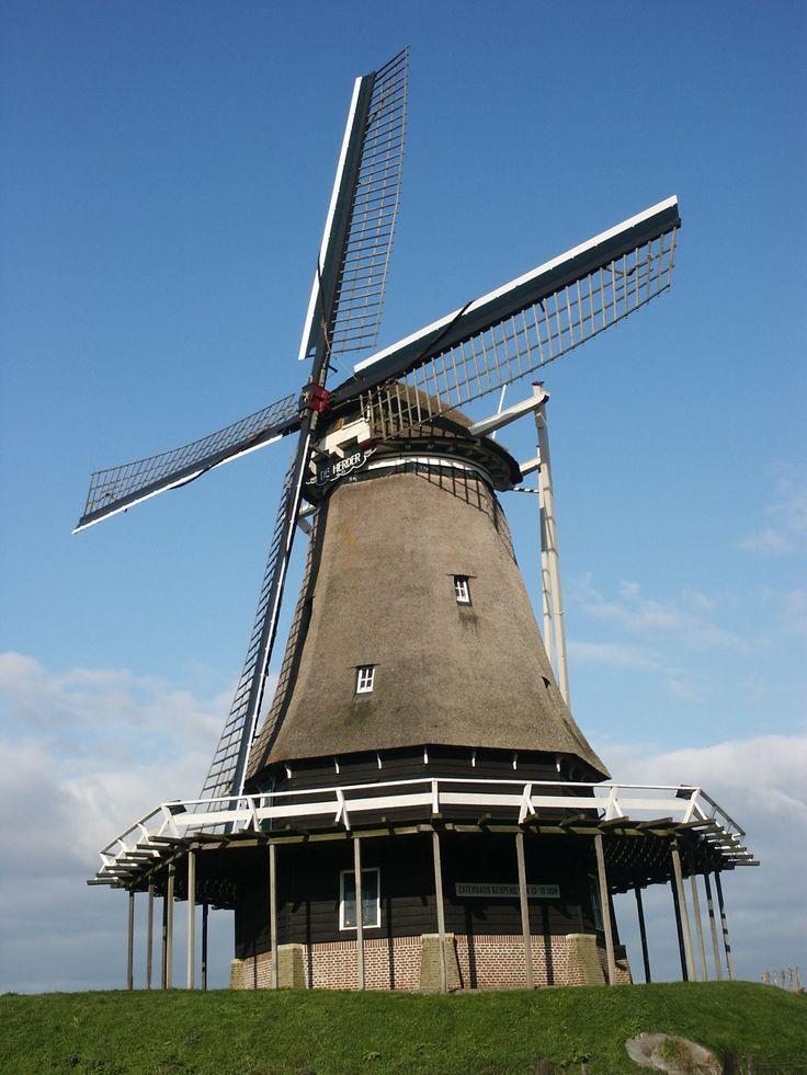 Meelmolen De Herder in Medemblik. De molen is van april t/m oktober geopend voor bezichtiging.