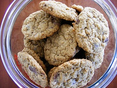 Peanut Butter Oatmeal Chocolate Chipsters by howtoeatacupcake.net on ...