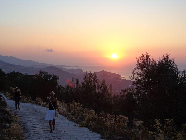 Ro og næring til krop & sjæl på Lesbos, Grækenland | 21. - 28. juni eller 6. - 13. september 2018  Få ro og næring til krop og sjæl - og åben dit hjerte  På kurset vil du få ro og næring til både krop og sjæl. Du vil bruge din krop uden at overanstrenge den, du vil få dejlige sansemættende oplevelser, og du vil få mulighed for at vende blikket indad fo