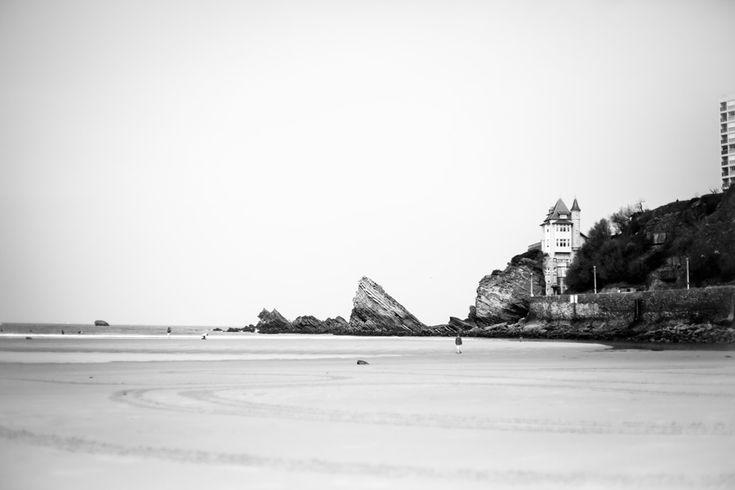 La villa Belza à Biarritz et la plage de la côte des basques sublime. #paysbasque #biarritz
