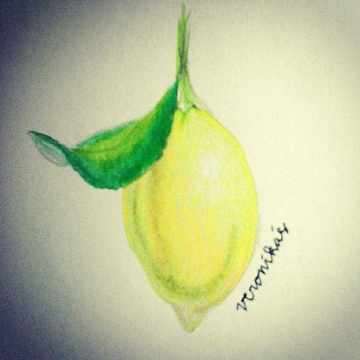fresh lemon, my fav fruit..