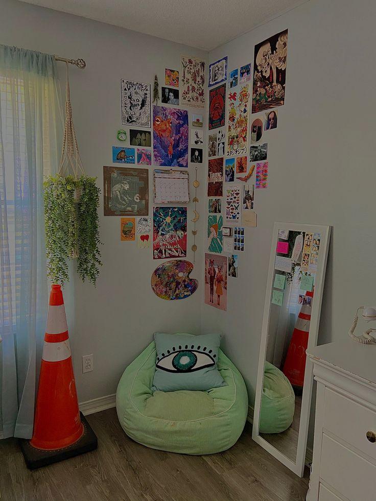Indie Bedroom, Indie Room Decor, Cute Room Decor, Aesthetic Room Decor, Room Design Bedroom, Room Ideas Bedroom, Chambre Indie, Cute Room Ideas, Retro Room