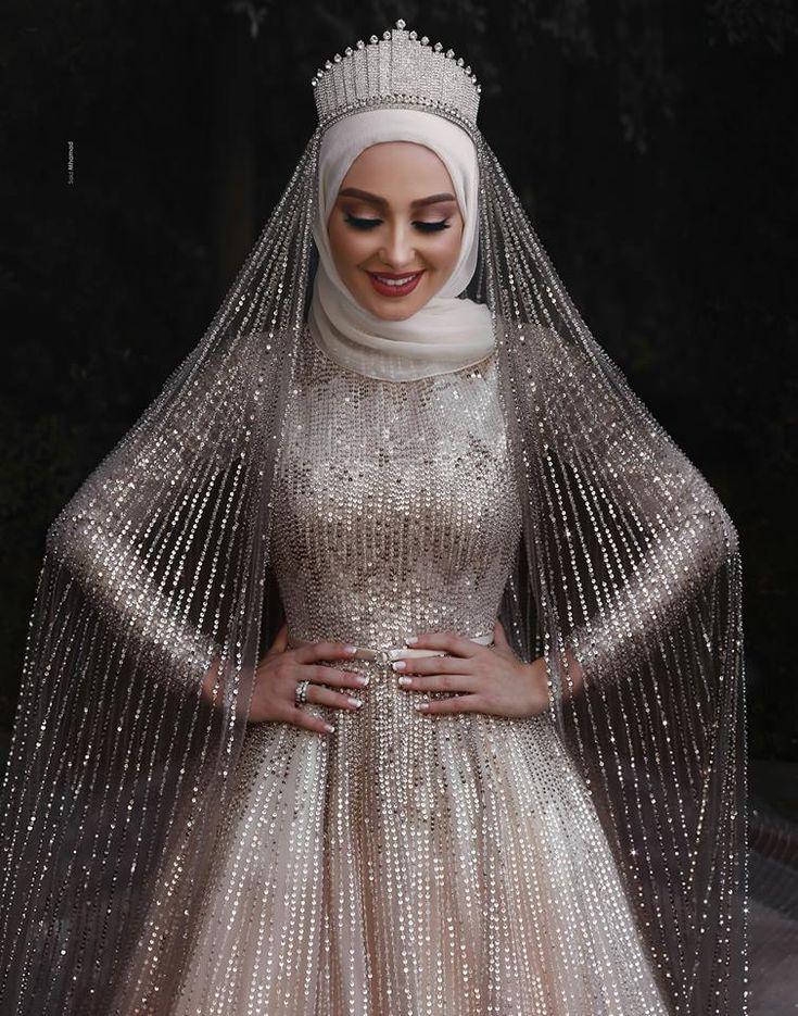 Sparkly Muslim long sleeve sequins Wedding Gown with cour train.  Estimated Delivery Time: USA 4-9 Days (DHL) ; Worldwide 15-30 Days.  Processing time 25-30 business day after payment .