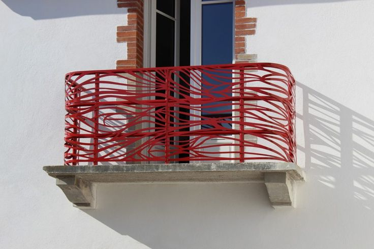 More than their practical features, our sunshades and balustrades have a high quality design.