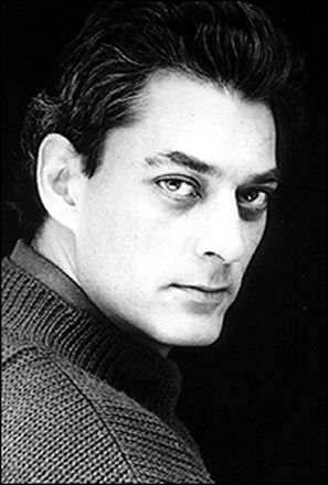 Paul Auster, picture on dustjacket of Leviathan (Viking 1992), by Arturo Patten