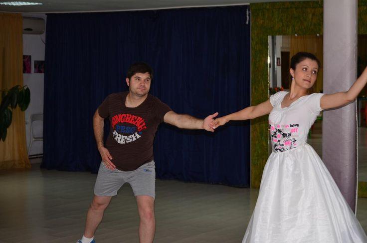 http://www.lotusdance.ro/cursuri-de-dans-pentru-nunta/ Cursuri de dans nunta!