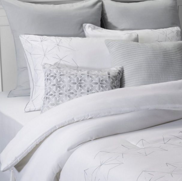 New Nwt Gray & White Queen 8 Piece Bedding Set Comforter Pillows Bedskirt  #Target #Transitional