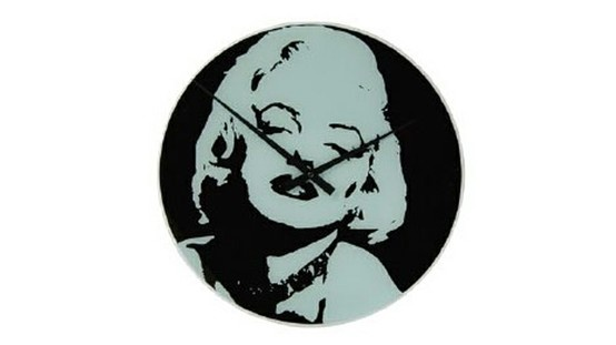 Descubra el reloj de cristal Marilyn Monroe diseñado por Mark Hugues.