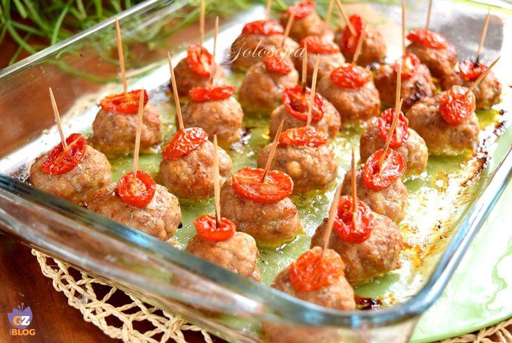 Polpette al forno con pomodorini, un piatto semplice ma ricco di gusto e bontà! potrete servirlo come secondo o sfiziosiossimo antipasto finger food!