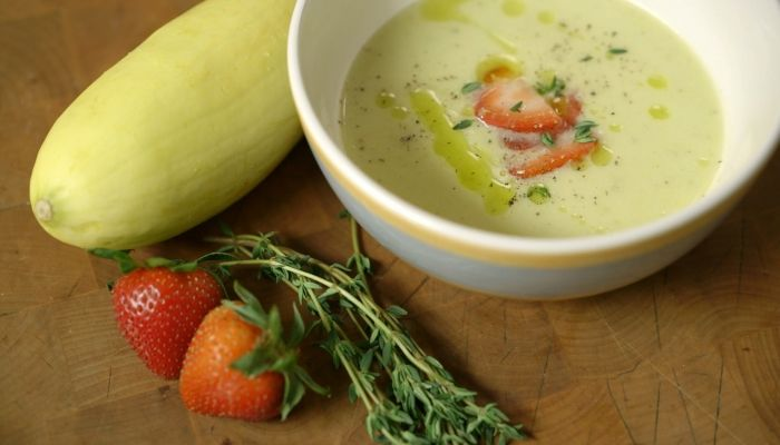 Yellow Squash Soup with Cured Strawberries http://gustotv.com/recipes/lunch/yellow-squash-soup-cured-strawberries/
