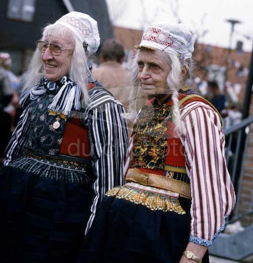 Oude dames Marken