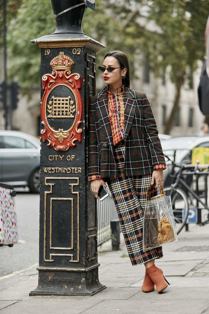 Parecía imposible, pero el street style de LFW ha llevado los cuadros al siguiente nivel fashion