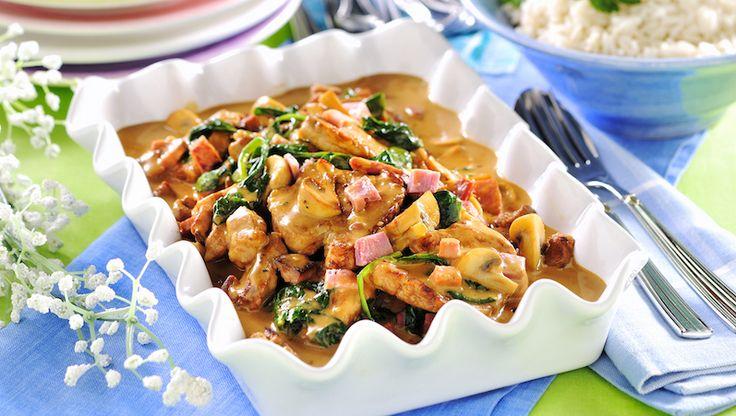 Given succé! Fläskfilé i härligt krämig sås med bra smak från skinka och senap och härlig fräschör från spenat.