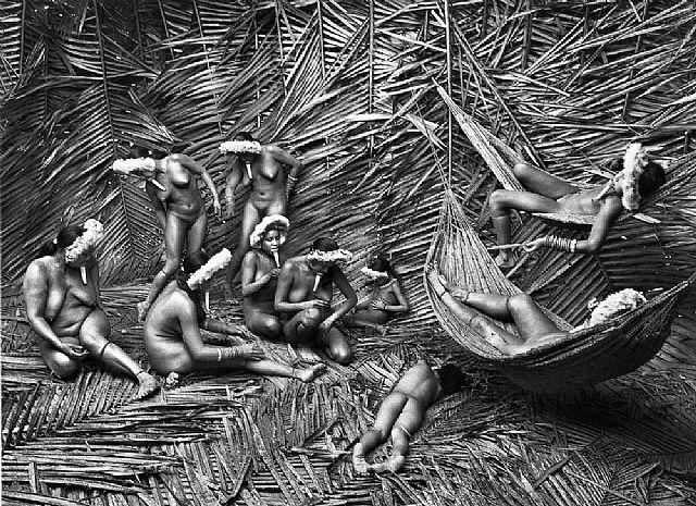 Femmes du village Zo'é de Towari Ypi © Sebastiao Salgado