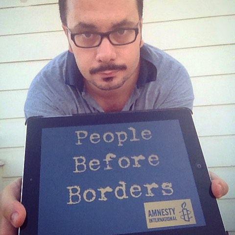 #peoplebeforeborders #amnestyinternational #humanitywashedashore #kıyıyavuraninsanlık #mülteciolmakbirtercihdeğildir #humanity #insaniyet #sınırlardanönceinsanhayatı #soseurope #sos #aylangalip #syrianrefugees #sansfrontieres #noborders - Unutmayın kıyıya 3 yaşındaki bir çocuğun cesedinin vurması eşsiz bir utançtır. Bunu hiçbir siyasi dini sosyal etnik ekonomik ya da stratejik görüş açıklayamaz. Görüşlerimizin altında ezilmeden uyanıp insan olduğumuzu hatırlayalım. - #instahelp…