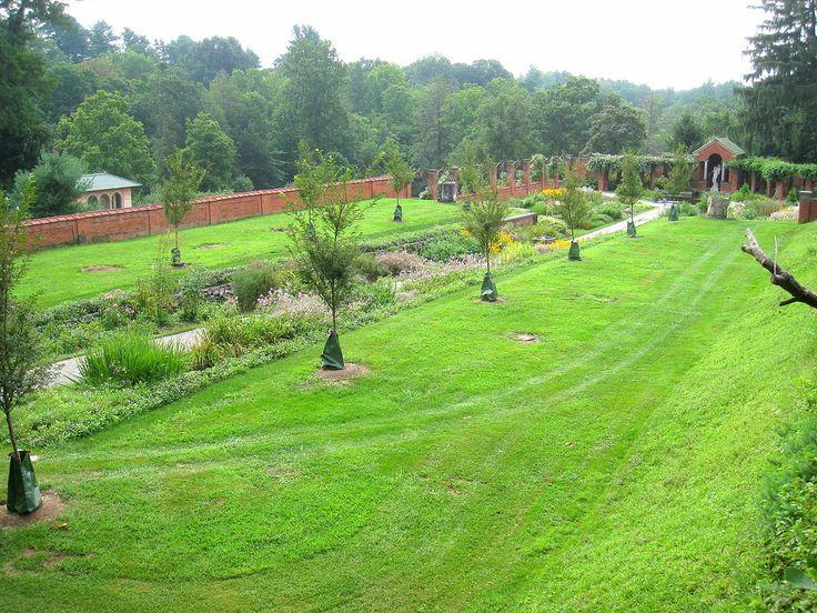 Jardim murado da Mansão  Vanderbilt. Localizado no Sítio Histórico Nacional Mansão Vanderbilt, em Hyde Park, Nova York, NY, USA.  Fotografia: Diderot.