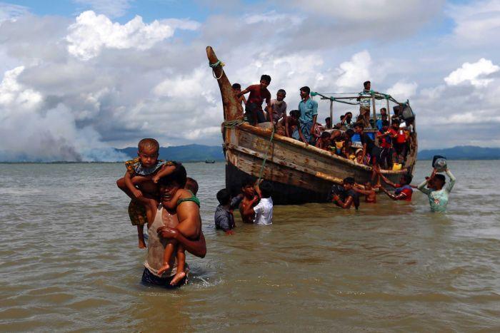 Rohingyan Muslims flee Myanmar