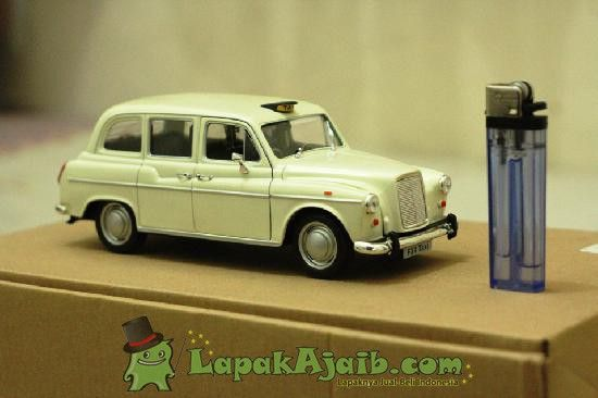 Diecast London Taxi Austin Fx4