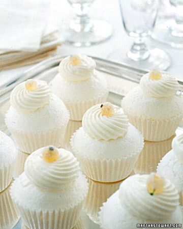 pavlova cupcakes- lower calorie & elegant!