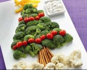 christmas tree made out of veggies