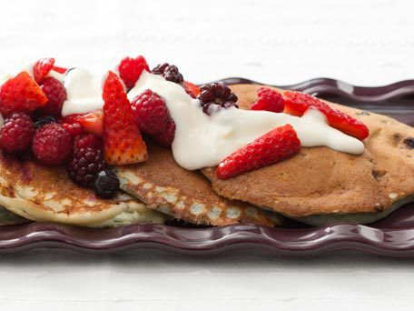 Very Berry Pancakes with Mixed Berries and Maple-Yogurt Topping | Rec ...