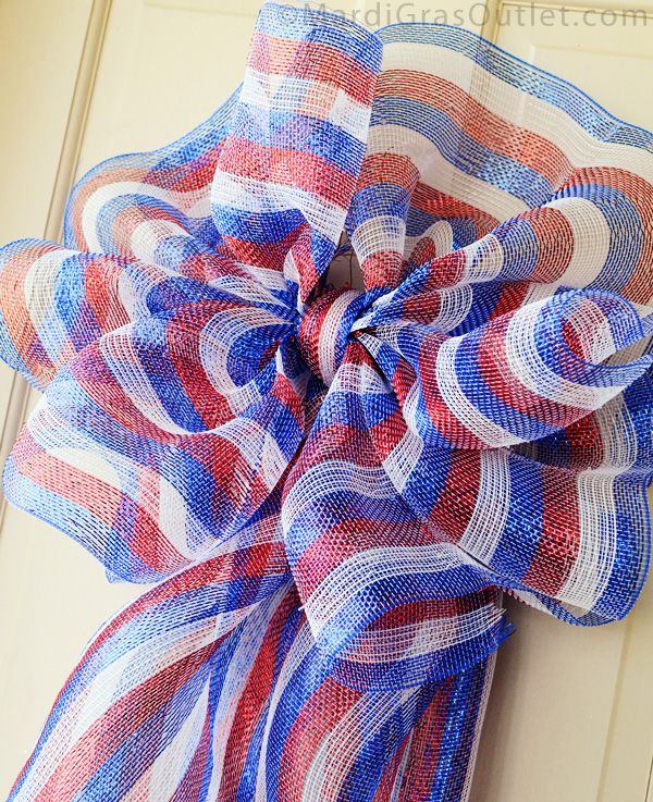 "Patriotic Bow Tutorial with 21"" Striped Deco Mesh"