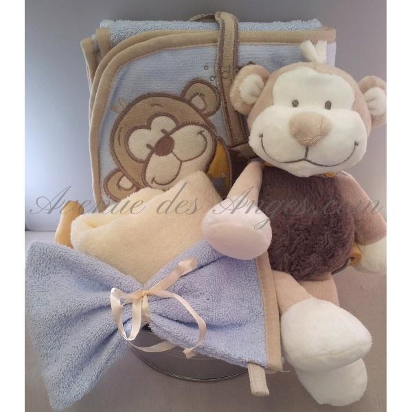 #Panier #naissance Maxence: pour fêter l'arrivée d'un petit garçon voilci un joli panier naissance exclusif Avenue des Anges avec Bono, le singe des collections Noukies. http://www.avenuedesanges.com/fr/noukies-bill-et-bono/3810-panier-naissance-maxence.html