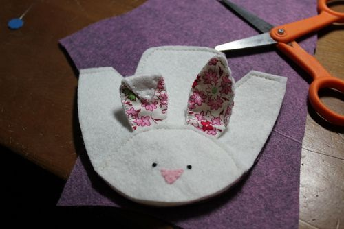 Tips for making felt baby shoes