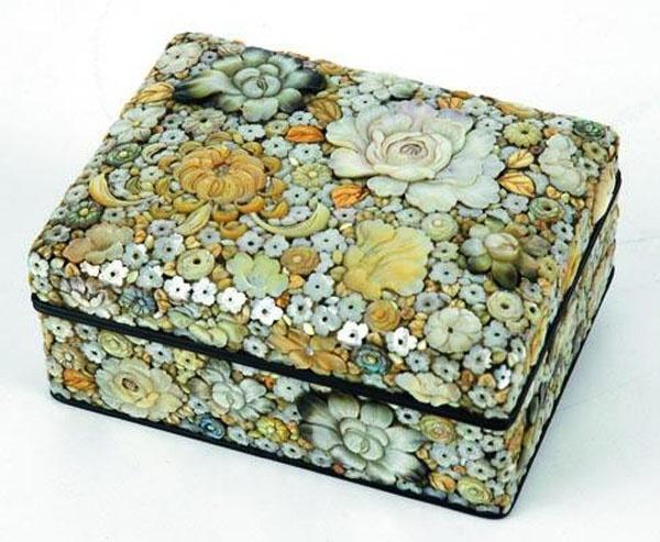 late Meiji shibayama box. I've never seen the inlay used in such profusion