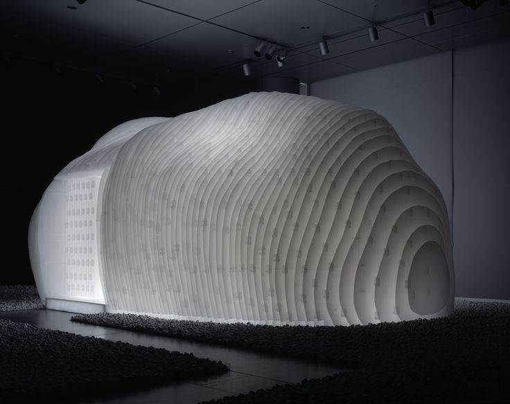 Oribe Tea House by kengo kuma and associates, mobile temporary tea room in corrugated plastic boards 5mm thick, fixed together using banding bands.