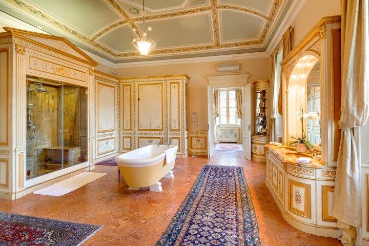 Suite Laura Bathroom - Villa Passalacqua   Moltrasio #lakecomoville