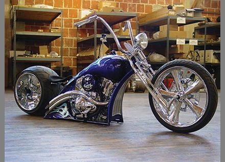 Matt Hotch vrod chopper.    That is one sweet scoot....Easy.