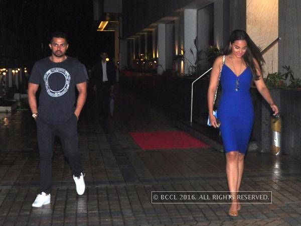 Sonakshi Sinha's night out with rumoured beau Bunty Sajdeh!