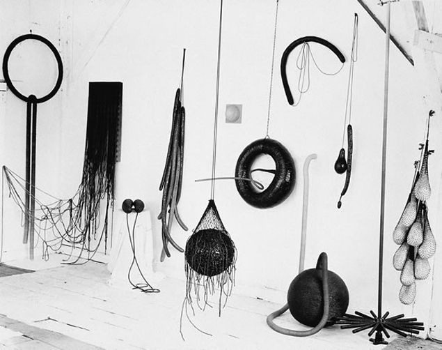 Eva Hesse, Atelier a prolific time for the artist, you can see the frenzy and the joy and the magic in her materials.