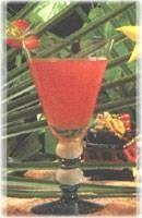 Recette Délice des îles jus d'ananas - jus de citron - liqueur de fraise - rhum