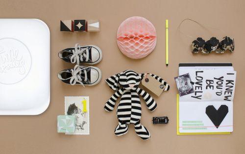 Het geboortekaartje, eerste knuffel en de echo… Alle bijzondere herinneringen van je baby verzamel je in deze Time Capsule.