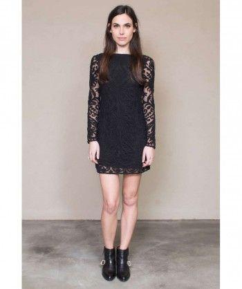Vestido brocado sobre red de algodón, manga larga espalda abierta. Entra en www.vbinspiration.com para ver más.