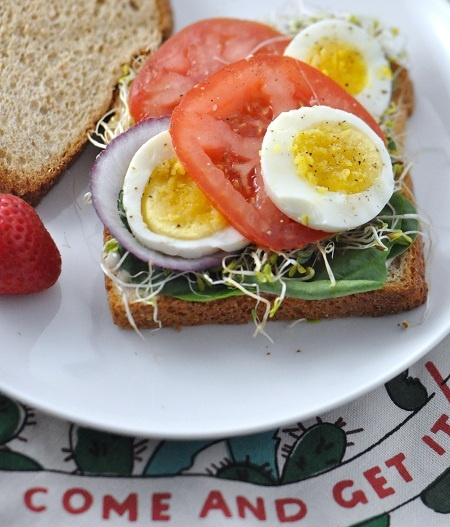 how to make a hard boiled egg sandwich
