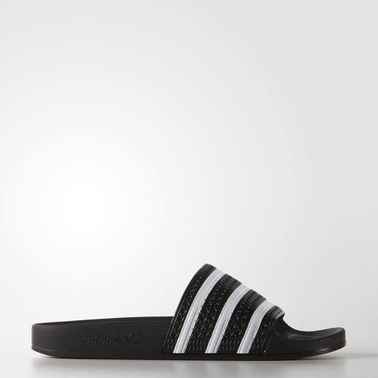 First introduced in 1972, the adilette has since risen to global prominence as the most popular slide ever. Built for recreation and relaxation, this lightweight style features a secure jelly bandage and a contour footbed for long lasting comfort.