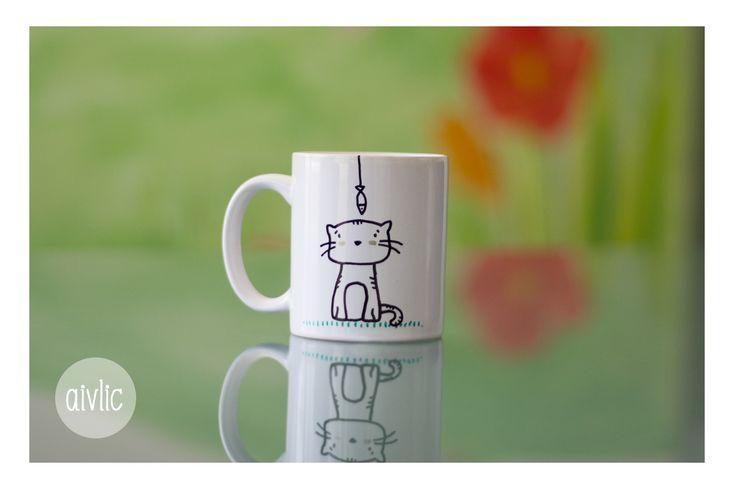 Taza personalizada, pintada a mano,  con mascota #gato https://www.facebook.com/lastazasdesilvia?ref=tn_tnmn #Mug #Tazas #Cat