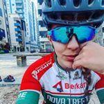 """1,799 Likes, 11 Comments - Natalia Radatz (@natiiradatz) on Instagram: """"Empurra mas não . ..... porque as vezes e mais rápido que pedalar  #bike #pedal #mtb #bicicleta…"""""""