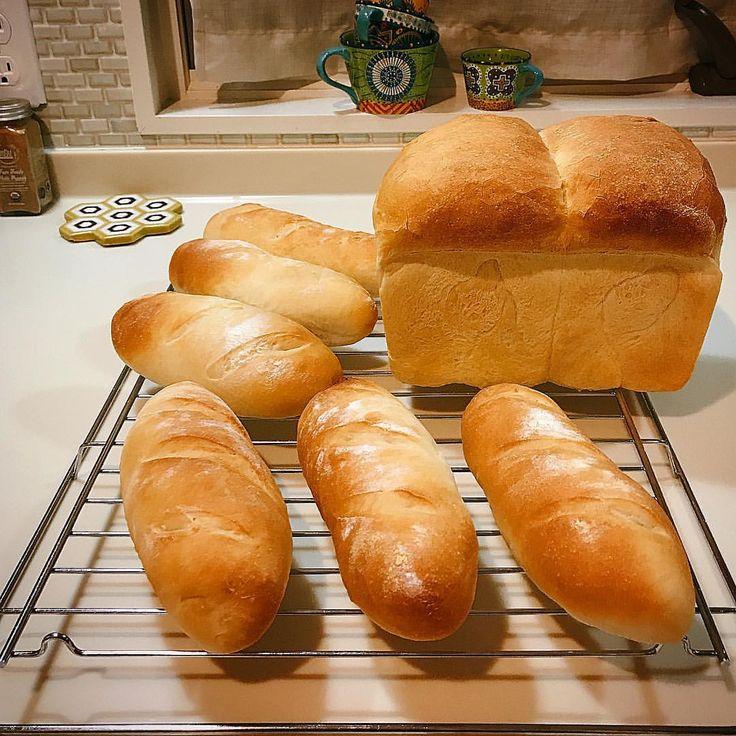いいね!76件、コメント1件 ― @bonbonbotacoのInstagramアカウント: 「** * 早く冷めてぇ、お願いよぉ。 * おやすみなさい。 * * * #手作りパン #おうちパン #イギリス食パン #クッペ #暮らしを楽しむ #日々のこと #丁寧な暮らし #homemade…」