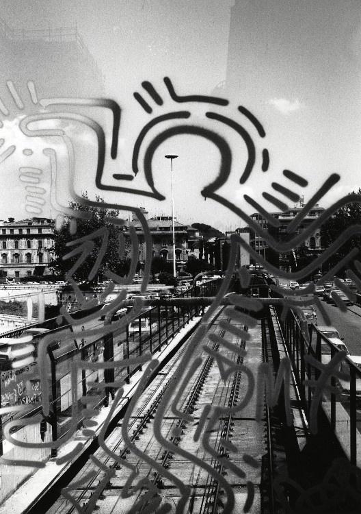 Keith Haring. Ponte della metropolitana sul Tevere, Roma, 1984-85   Courtesy Stefano Fontebasso De Martino  Foto di Stefano Fontebasso De Martino
