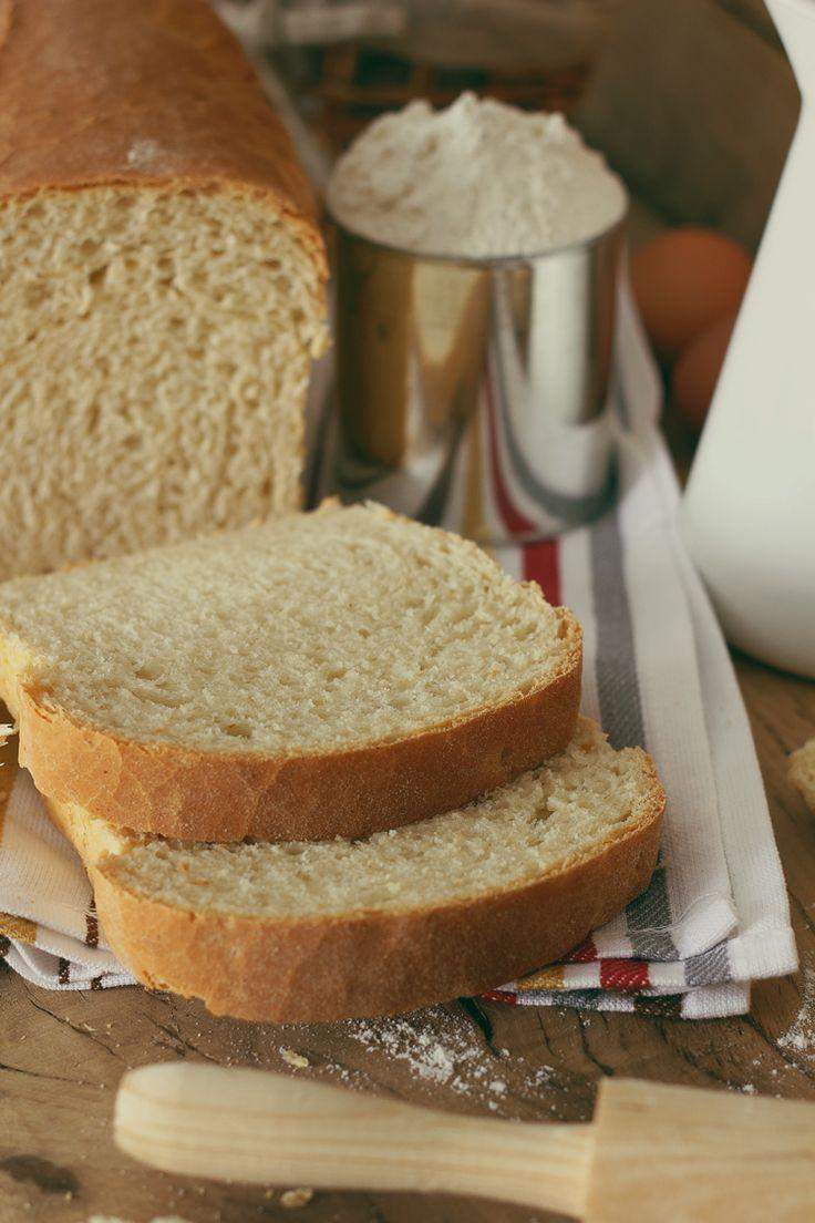 Pan blanco en panificadora de Kanela y Limón