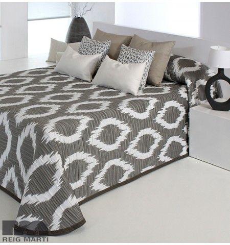 les 25 meilleures id es de la cat gorie couvre lits sur pinterest dessus de lit d cor blanc. Black Bedroom Furniture Sets. Home Design Ideas