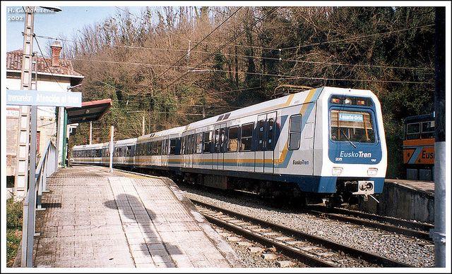 CAF 205 del EuskoTren @ Añorga... primeros años del servicio del Topo