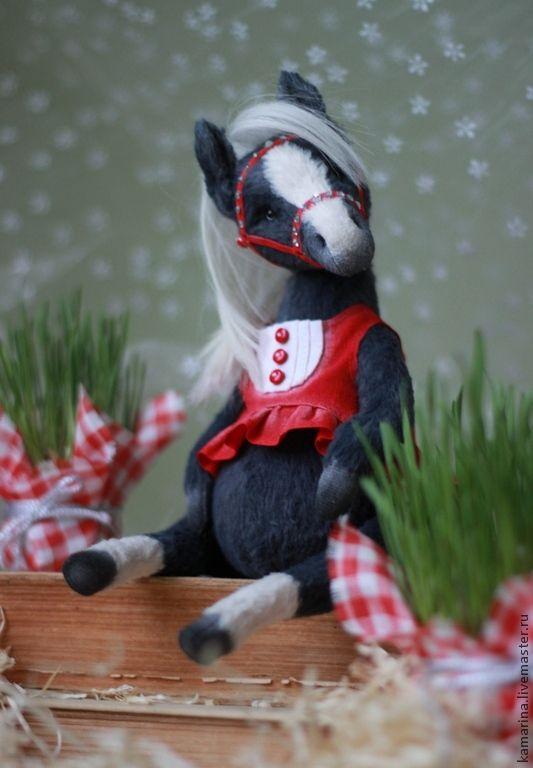 Лошадка:) - тёмно-серый,красный,тедди,тедди мишка,лошадка,лошадь,лошадь игрушка