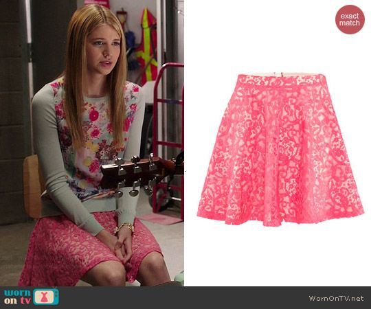 Becky's pink lace skirt on Degrassi.  Outfit Details: http://wornontv.net/42407/ #Degrassi